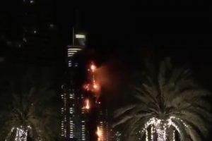 El incendio ocurrió en el hotel The Address Foto:Twitter. Imagen Por:
