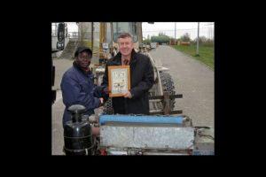Ganó dos certificados alemanes de Maestro Artesano en materia de mecánica automotriz. Foto:Twitter. Imagen Por:
