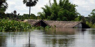 Inundaciones convierten en isla a una ciudad de Paraguay