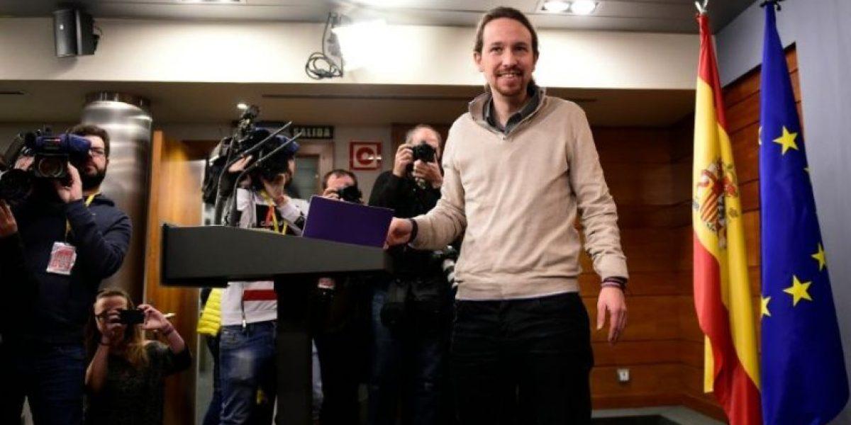 Podemos tiende la mano a los socialistas para que no gobierne Rajoy