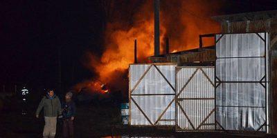 La Araucanía: ataque incendiario consume casas prefabricadas en Lautaro