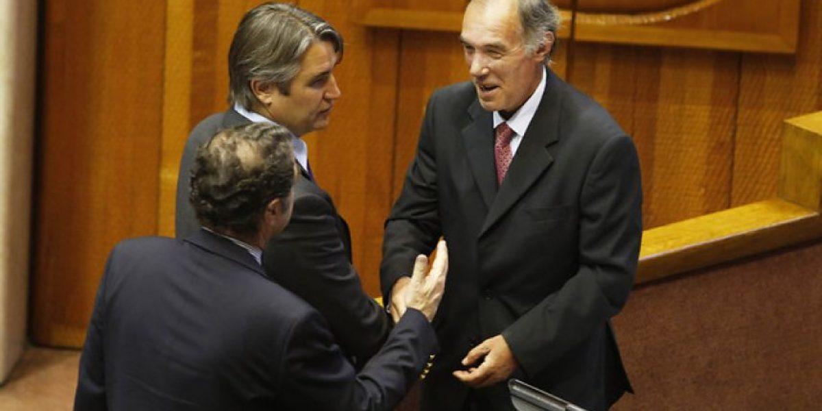 Senador Orpis reaparece en el Congreso tras cinco meses de licencia