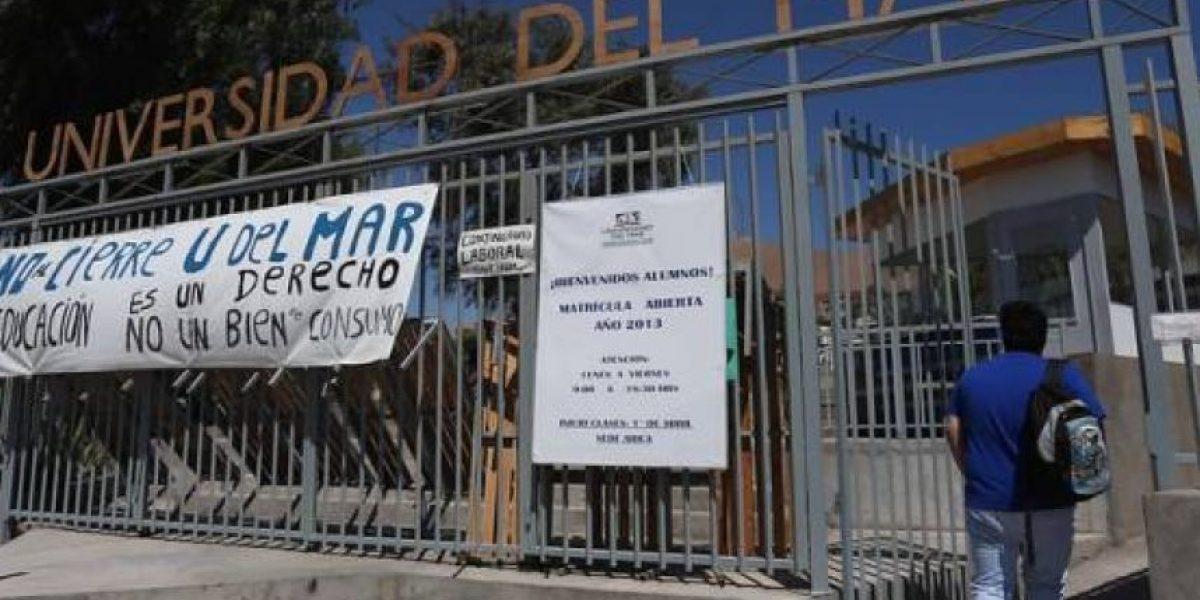 """Estudiantes de U. del Mar: """"El Mineduc ha sido inoperante e irresponsable en la reubicación de los estudiantes"""