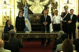 Macri, que esta semana cumple un mes en el poder, también se pronunció sobre el narcotráfico y acusó a los gobiernos de Néstor y Cristina Kirchner, de los últimos 12 años, de haber permitido el avance del flagelo en este país. Foto:AFP. Imagen Por: