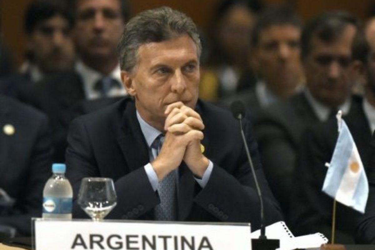 El presidente de Argentina, el conservador Mauricio Macri oficializó este martes el reforzamiento policial en Buenos Aires, donde la inseguridad fue una de las principales preocupaciones de sus votantes en la última campaña electoral. Foto:AFP. Imagen Por: