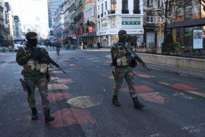 La policía belga realizó una serie de redadas en Bruselas después de los atentados de París. Foto:AFP. Imagen Por: