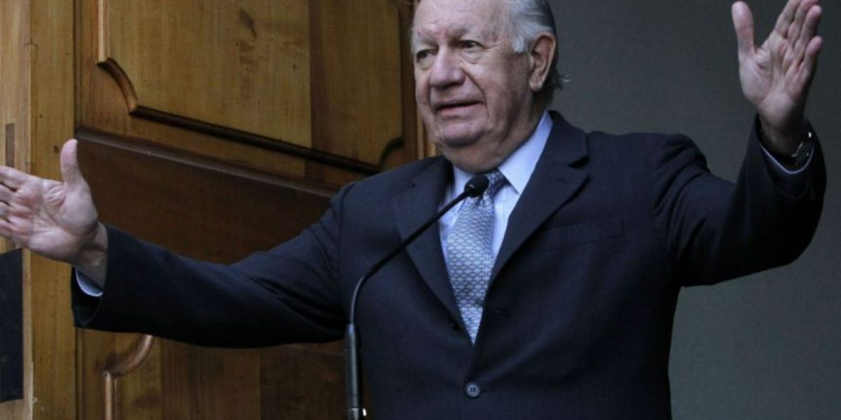 Camilo Escalona y presidenciables: