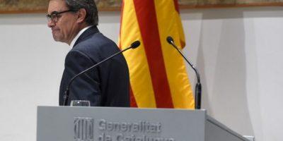 Artur Mas da paso al costado e independentistas forman gobierno en Cataluña
