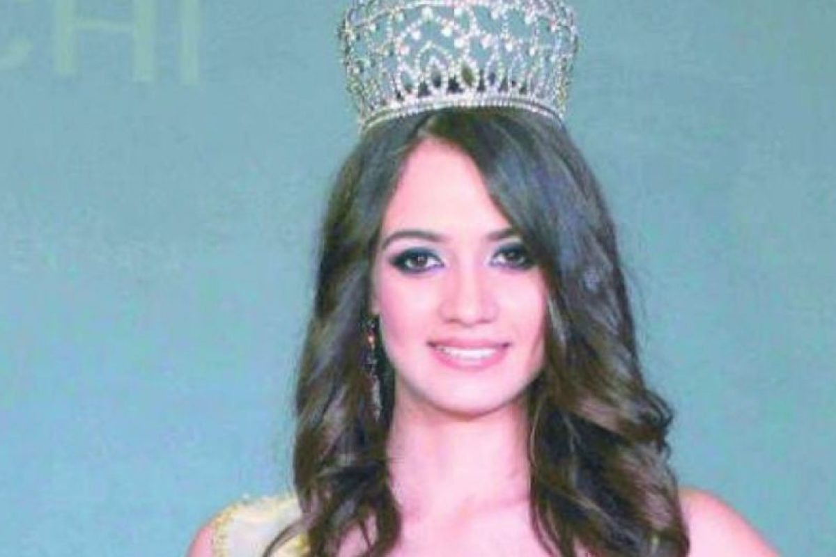 Esta era la reina de belleza que murió con un fusil Ak-47 al lado. Foto:vía AFP. Imagen Por: