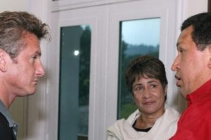 En 2007, el actor visitó este país latinoamericano, invitado por el mismo Chávez, y durante seis días, recorrió Venezuela acompañado con una libreta de apuntes. Foto:AFP. Imagen Por: