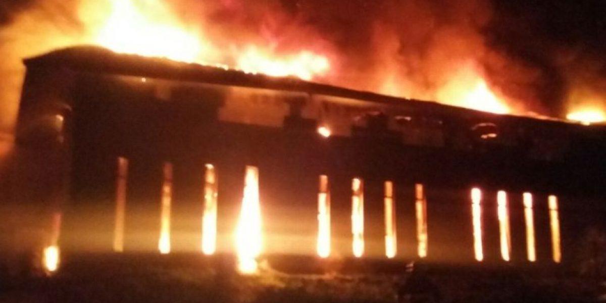 Incendio de grandes proporciones destruye instalaciones en resort Rosa Agustina