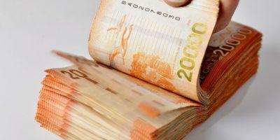 Desconocidos engañan a abuelita y le cambian toda su pensión por billetes falsos
