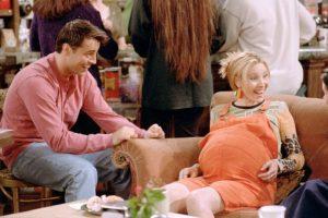 Al final, su embarazo, boda y todo lo que vivió con sus amigos se convierte en una ilusión. Foto:vía facebook.com/friends.tv. Imagen Por: