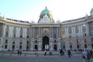 Palacio Hofburg. Durante más de 600 año fue habitado por los Habsburgo. Foto:Vía Flickr. Imagen Por: