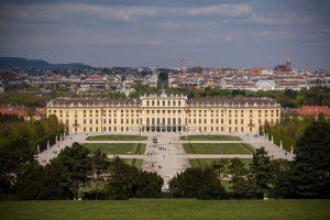 Palacio Schönbrunn. Sirvió durante años como residencia de verano de la familia imperial Foto:Wikipedia.org. Imagen Por: