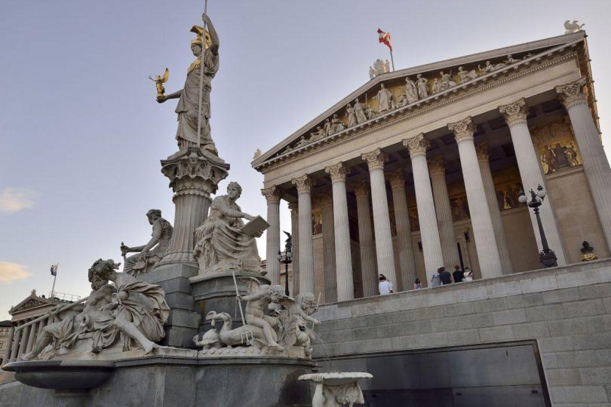 Parlamento Austriaco. Construido en el siglo XIX es uno de los edificios más notable en Ringstrasse. Foto:Vía Flickr. Imagen Por: