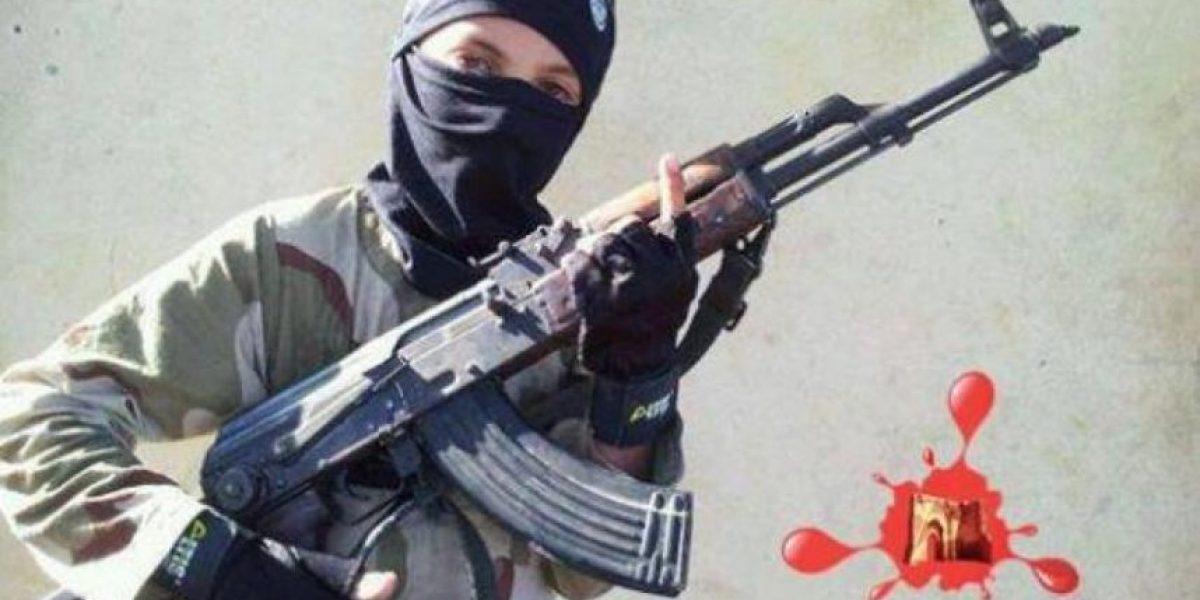 ¡Aterrador!Estado Islámico enseña a niños de 9 años cómo ejecutar