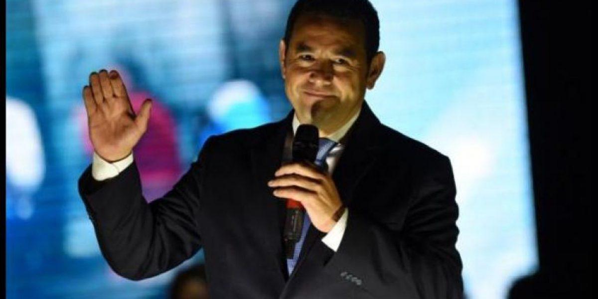 El comediante Jimmy Morales asume como presidente de Guatemala