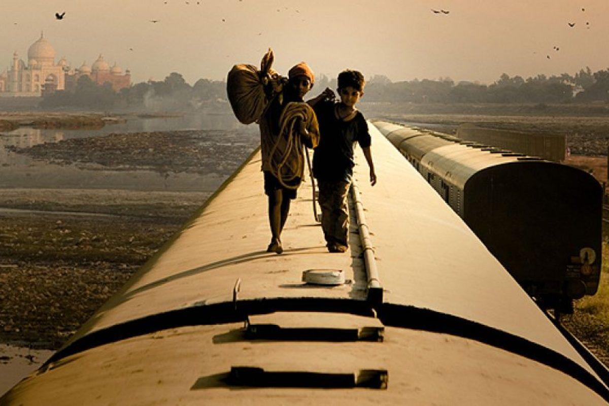 """""""¿Quién quiere ser millonario?"""" es una película Indio-británica del 2008, dirigida por Danny Boyle y escrita por Simon Beaufoy, ganadora de 8 Premios Óscar. Foto:Film4 / Celador Films. Imagen Por:"""