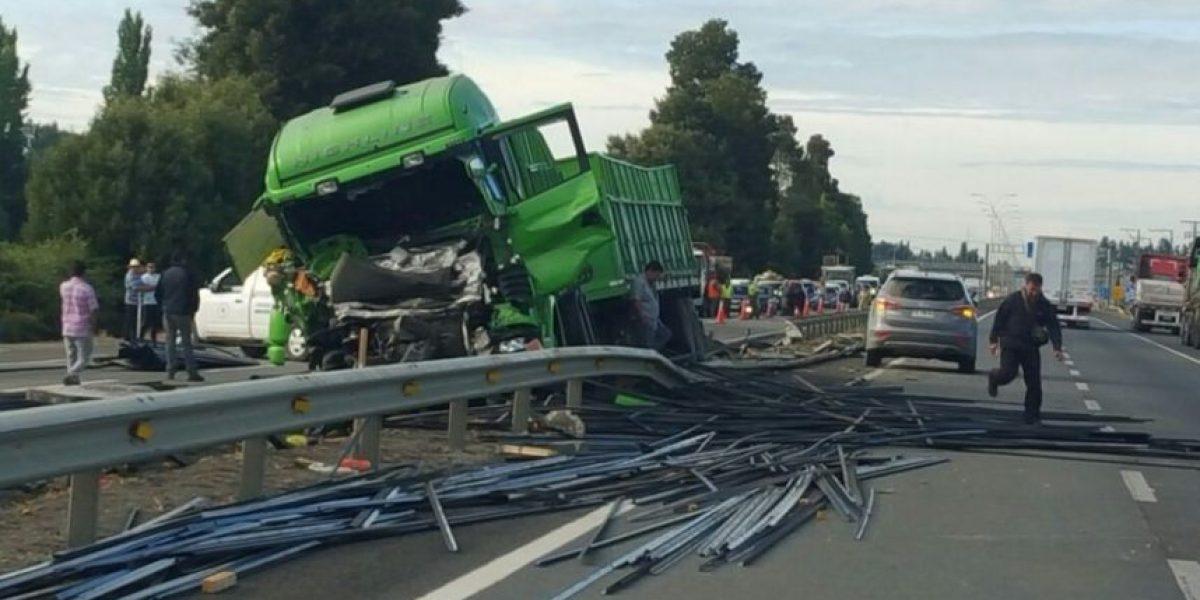 Cabrero: accidente carretero en Ruta 5 Sur deja un fallecido y dos heridos