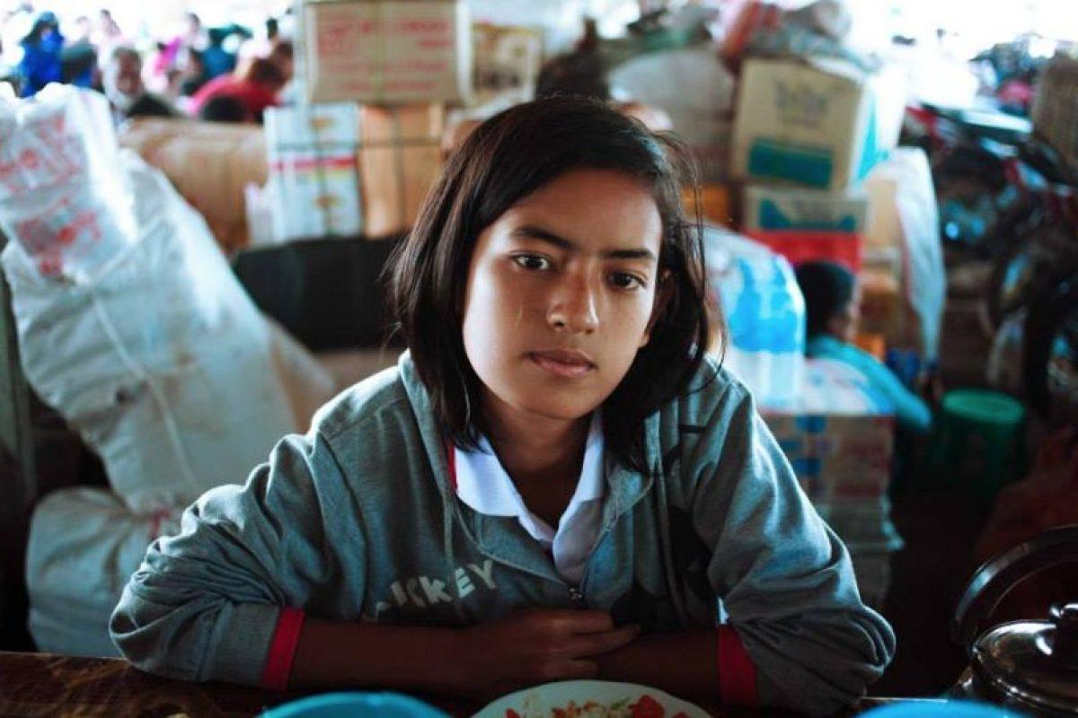 Mujer en Mawlamyin, Myanmar Foto:The Atlas of Beauty / Mihaela Noroc. Imagen Por:
