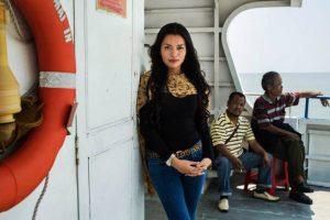 Mujer en Java Sea, Indoneasia Foto:The Atlas of Beauty / Mihaela Noroc. Imagen Por: