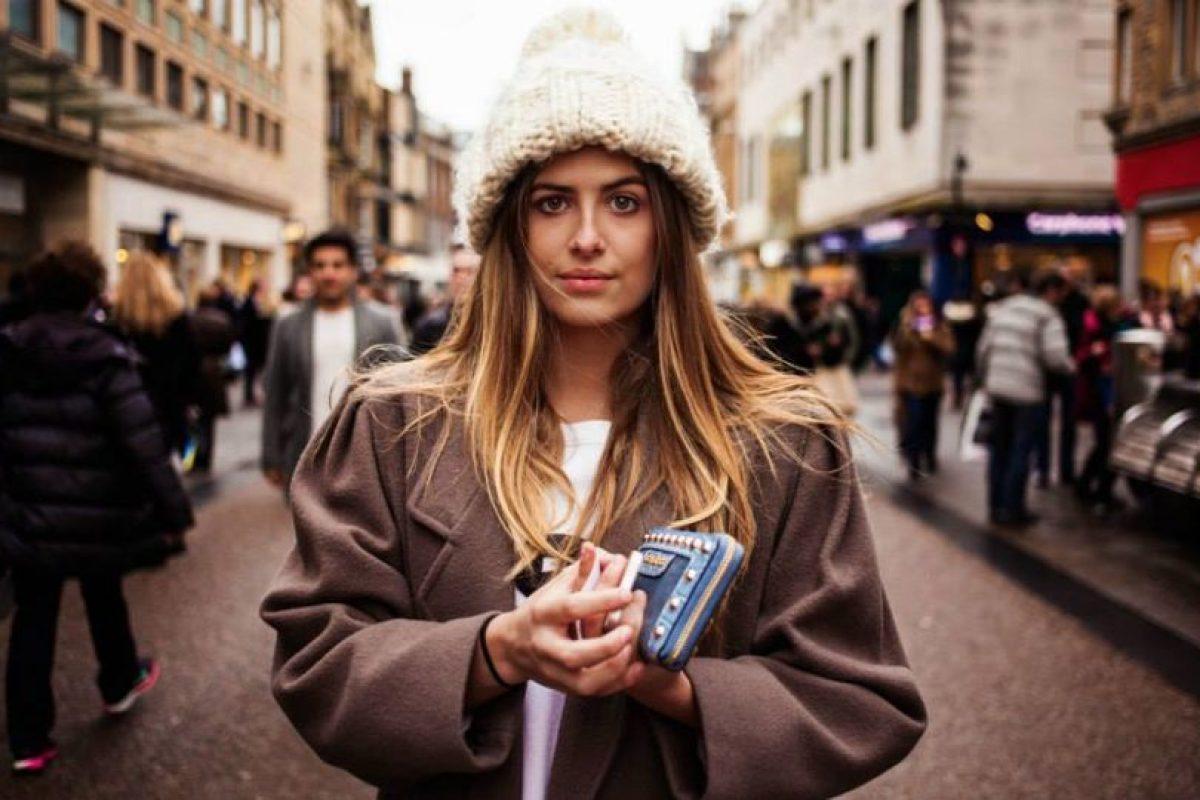 Mujer en Inglaterra Foto:The Atlas of Beauty / Mihaela Noroc. Imagen Por: