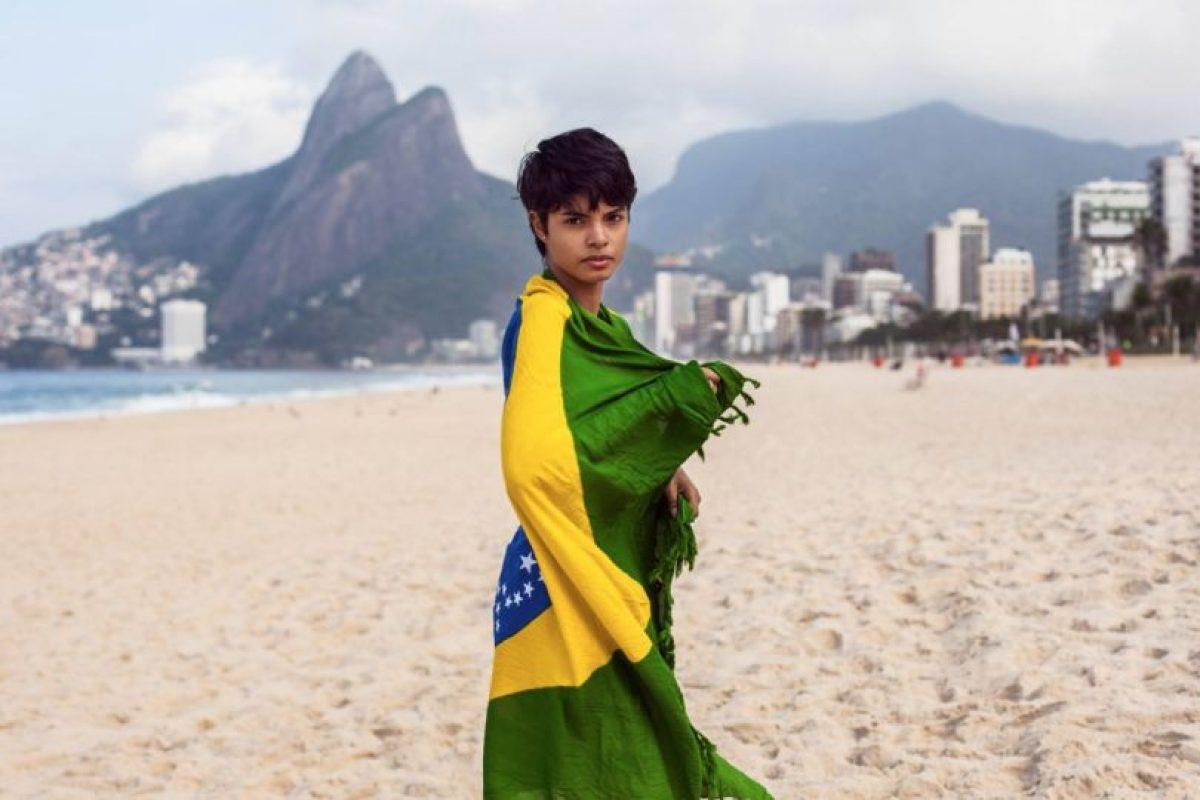 Mujer en Playa de Ipanema, Brasil Foto:The Atlas of Beauty / Mihaela Noroc. Imagen Por: