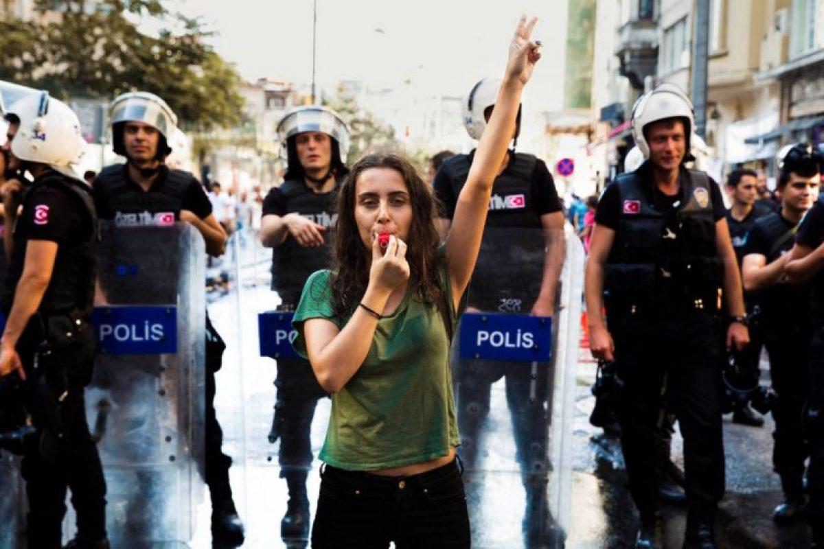 Mujer en Estambul, Turquía Foto:The Atlas of Beauty / Mihaela Noroc. Imagen Por: