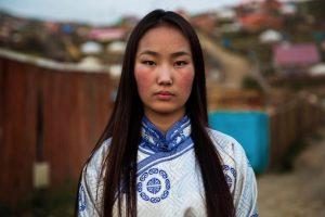 Mujer en Mongolia Foto:The Atlas of Beauty / Mihaela Noroc. Imagen Por: