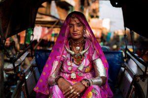 Mujer en Jodhpur, India. Foto:The Atlas of Beauty / Mihaela Noroc. Imagen Por: