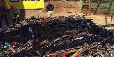 13 mil armas destruídas serán recicladas para construir puente sobre el Canal de Chacao