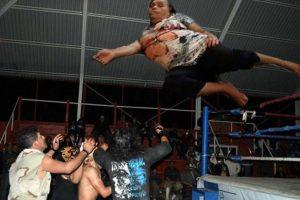 En la lucha libre Foto:Vía Facebook. Imagen Por: