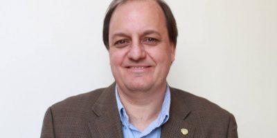 Docente Eduardo Arriagada es electo decano de la Facultad de Comunicaciones UC