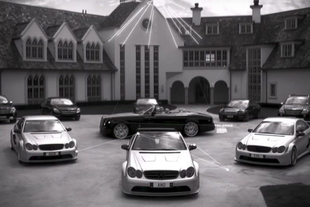 Los autos de Kim. Foto:MrKimDotcom / YouTube. Imagen Por: