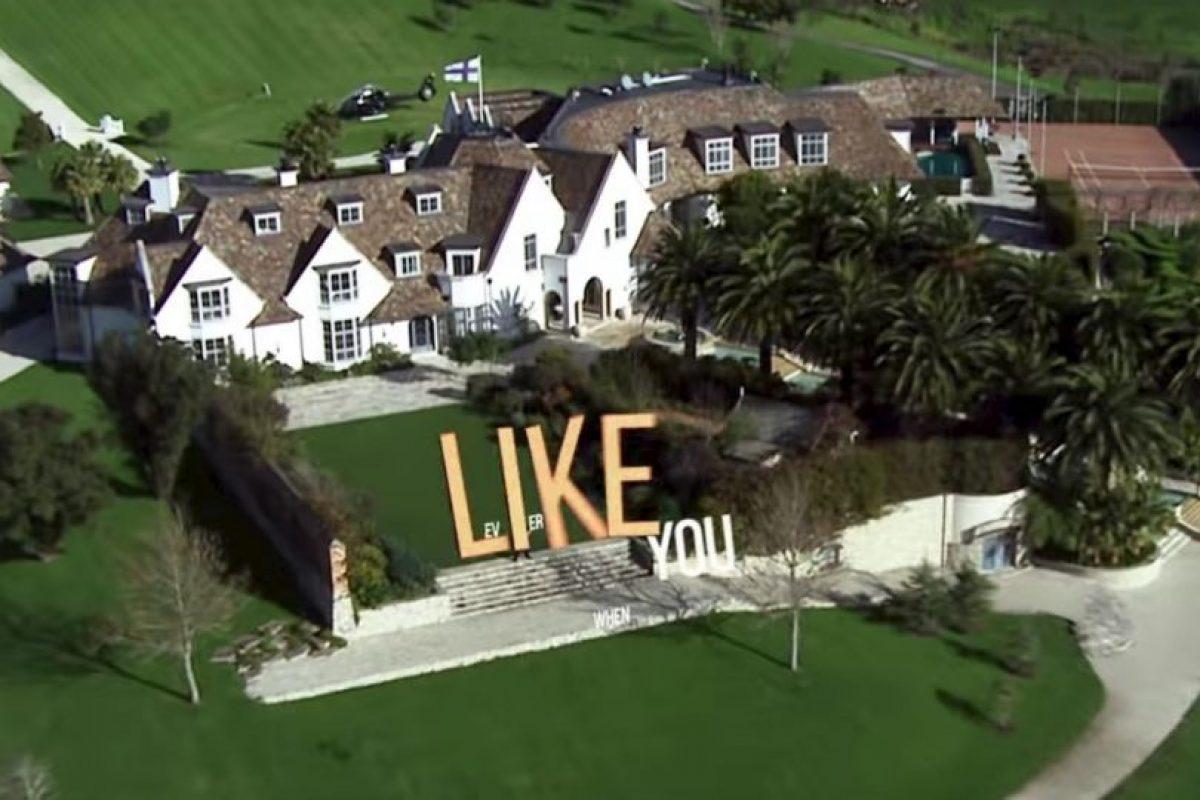 La lujosa mansión de Kim. Foto:MrKimDotcom / YouTube. Imagen Por: