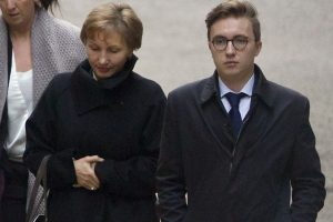 Marina Litvinenko junto a su hijo, Anatoly Litvinenko. Foto:AFP. Imagen Por: