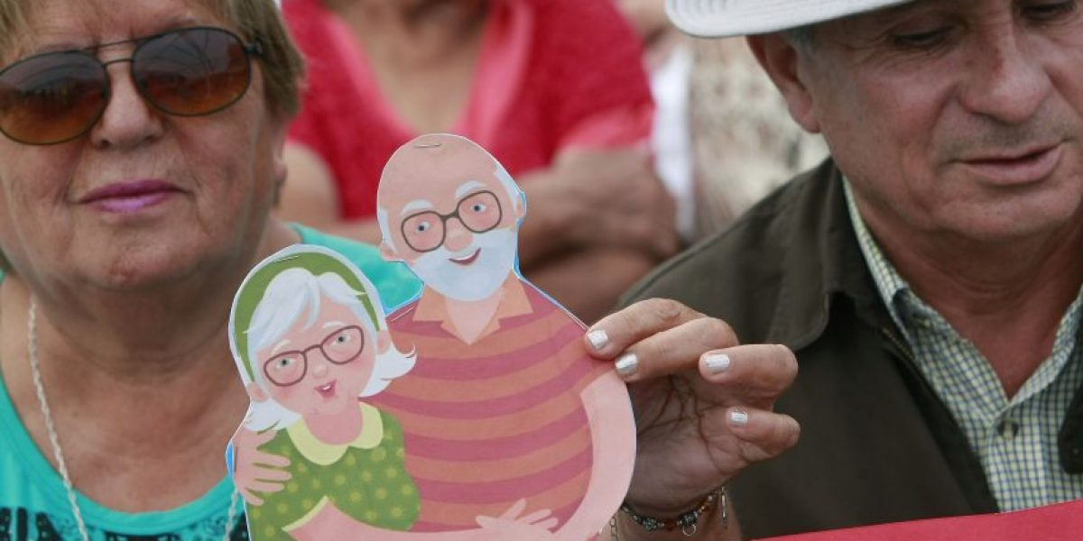 Gobierno destinará más de $3.700 millones al Fondo Nacional del Adulto Mayor