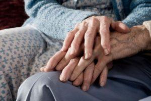 Bob Lowe, también veterano de la Segunda Guerra Mundial, le escribió a su fallecida esposa. Foto:Getty Images. Imagen Por: