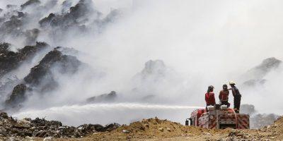 Justicia suspende funcionamiento de relleno Santa Marta: dueño asegura que incendio está controlado
