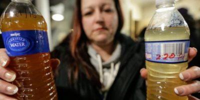 Escándalo de salud en EEUU: agua envenenada por plomo en Michigan