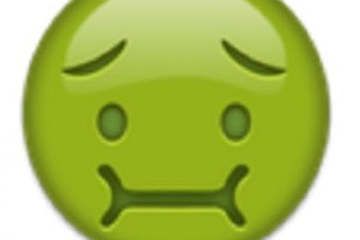Cara de náuseas. Foto:vía emojipedia.org. Imagen Por: