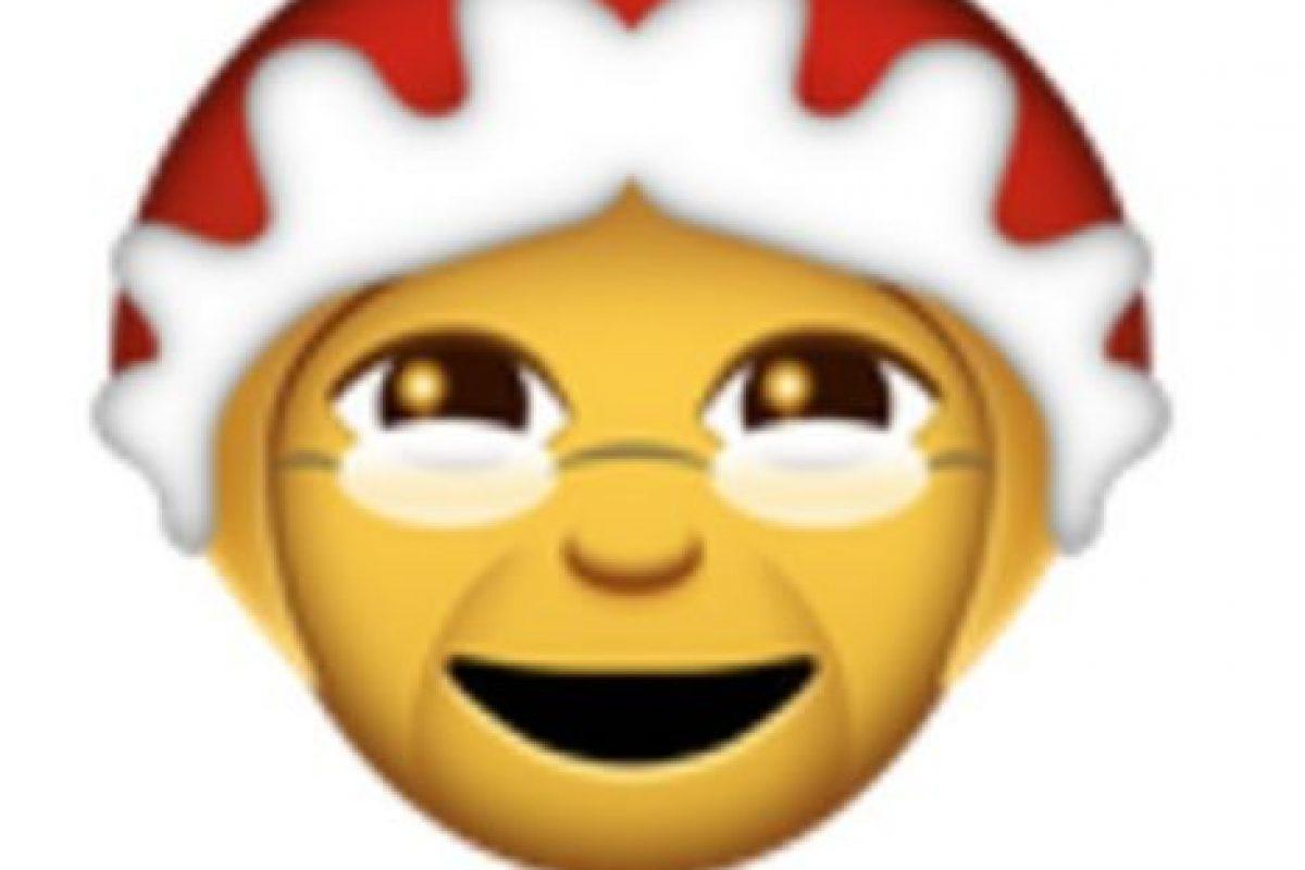 Abuela con lentes y gorro navideño. Foto:vía emojipedia.org. Imagen Por: