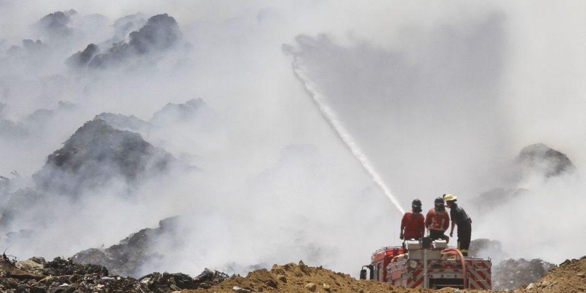 Autoridades afirman que incendio en relleno Santa Marta está totalmente controlado
