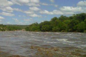 El río Quilpo, lugar donde se encontraba la víctima. Foto:Reproducción / lavoz.com.ar. Imagen Por: