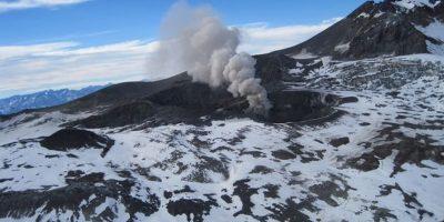 Sernageomin declara alerta amarilla para el complejo volcánico Planchón-Peteroa