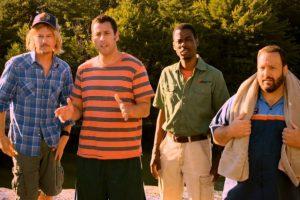 Cinco amigos se reúnen después de 30 años en una casa del lago para llorar por la pérdida de su antiguo entrenador de básquetbol y vuelven a comportarse como jovencitos. Foto:vía Netflix. Imagen Por: