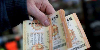"""Mujer metió a la lavadora boleto de lotería de """"47 millones de dólares"""""""