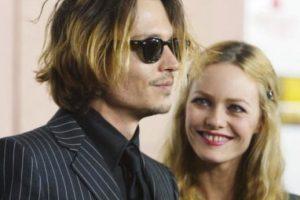 Sus dientes separados enamoraron a Karl Lagerfeld y a Johnny Depp a finales de los 90. Foto:vía Getty Images. Imagen Por: