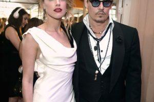 Entonces Depp se volvió a casar con la desmpampanante Amber Heard. Foto:vía Getty Images. Imagen Por: